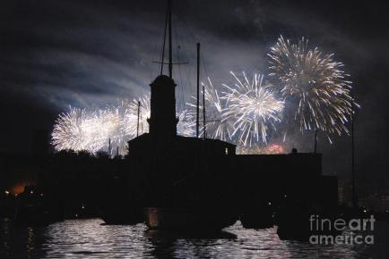 fireworks-over-marseilles-vieux-port-on-july-14th-bastille-day-sami-sarkis