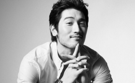 interview-godfrey-gao-gives-good-face_8_1_1