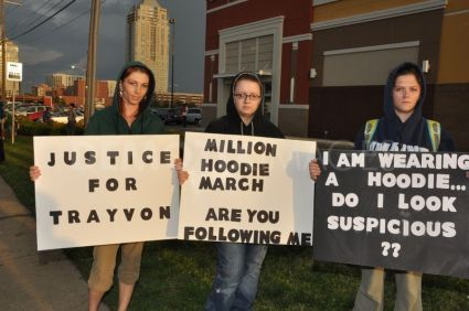 1334463449-hoods-ups-protest-for-trayvon-martin-in-virginia-beach_1154290