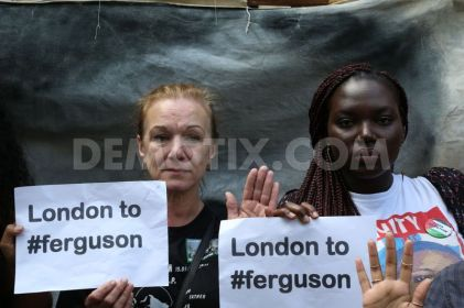 1408329468-protests-in-london-over-shooting-dead-of-michael-brown-in-ferguson_5543367
