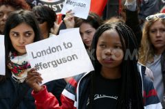 1408329469-protests-in-london-over-shooting-dead-of-michael-brown-in-ferguson_5543376