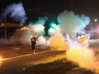 gty_ferguson_protest_tear_gas_kb_140814_4x3_992