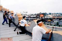 Korean-men-defending-Koreatown-during-the-1992-LA-riot